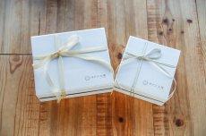 画像4: 〜1つ1つ手作業で貼った貼箱で気持ち伝わるプレゼント〜 オリジナルギフトBOX(オプション) (4)