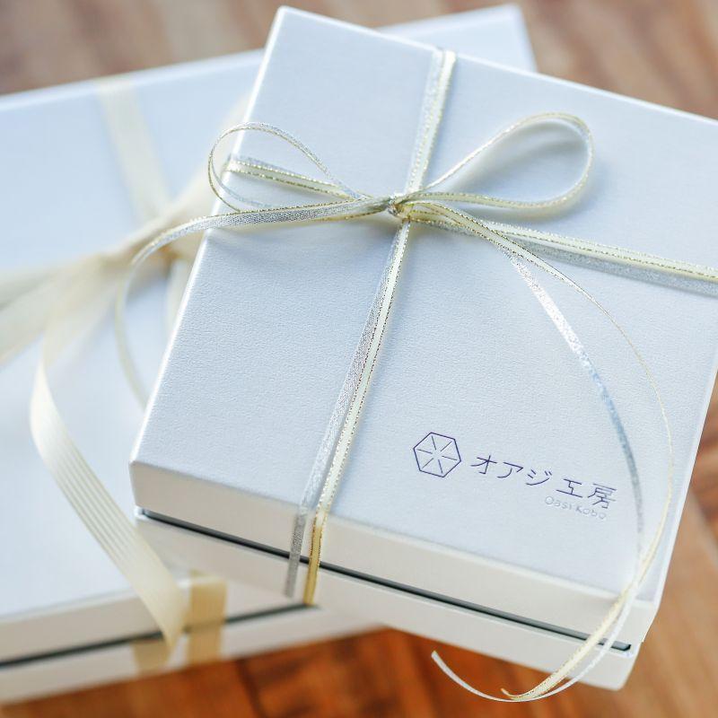 画像1: 〜1つ1つ手作業で貼った貼箱で気持ち伝わるプレゼント〜 オリジナルギフトBOX(オプション) (1)
